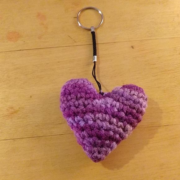 How to Crochet Ami Heart ( Keychain) - YouTube | 580x580